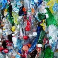 Hlavní obrázek - Vědci našli mikroplasty ve stolici lidí, na závěry je prý brzy